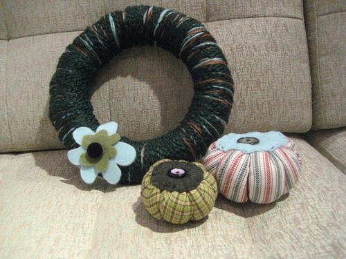 Wreathcushion1